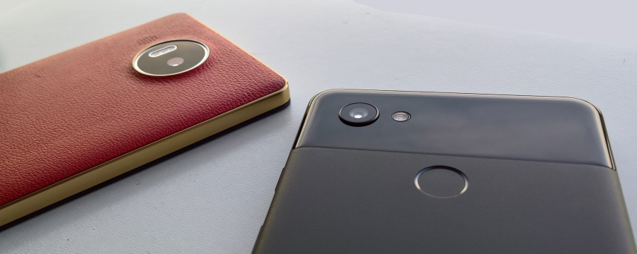 950 XL and Pixel 2 XL cameras